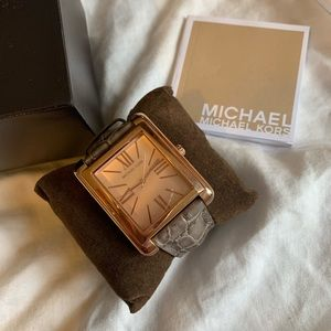 🌸Michael kors Watch LIKE NEW🌸